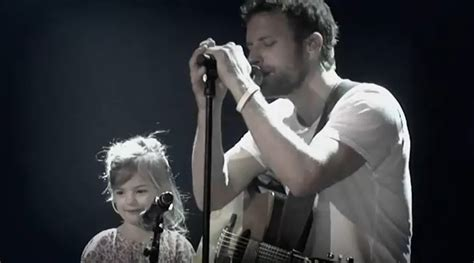 dierks bentley daughter dierks bentley duets with his daughter at the ryman