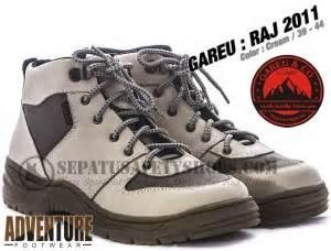Sepatu Boots Gareu Raj 806 toko sepatu safety dan sepatu gunung