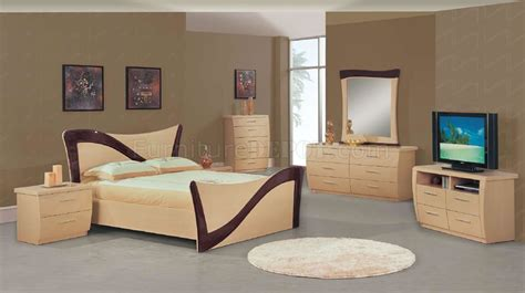 lacquer bedroom set two tone beige dark cherry lacquer finish modern bedroom set