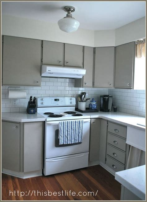 refinishing melamine kitchen cabinets best 25 painting melamine ideas on pinterest greenview
