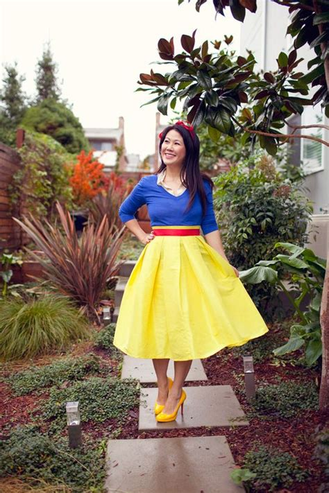Setelan Anak Disney Snow White Rok Pant picture of snow white costume with a midi skirt a blue sweater with a matching shirt bold
