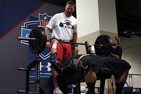 nfl combine 225 bench press bench press for reps test thursday throwdown bench press