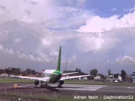citilink landing a 1503 clip cessna 206 landing and citilink take off in