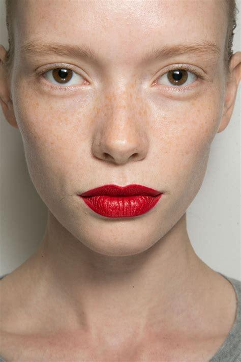 make up menyamarkan bibir hitam saubhaya makeup 5 cara memilih warna lipstik yang tepat untuk bibir hitam