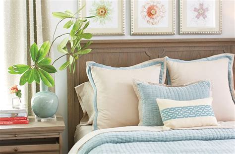 How To Decorate With Pillows by How To Arrange Pillows On Bed How To Decorate