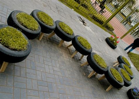 garden decoration with tyres 29 creative tyres upcycling projects and ideas