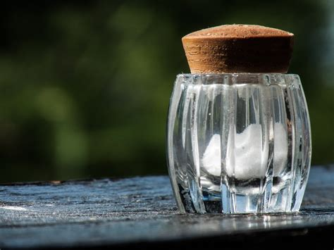 file salt bottle jpg wikimedia commons