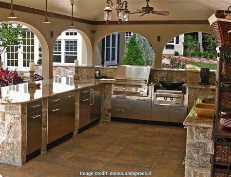 cucina da esterno con barbecue cucina in muratura per esterni con barbecue