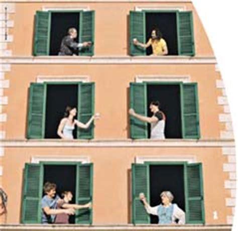 vicine di casa quot sono la nuova vicina di casa quot la fanno entrare sparisce