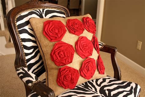 How To Make Decorative Pillows by Craftionary