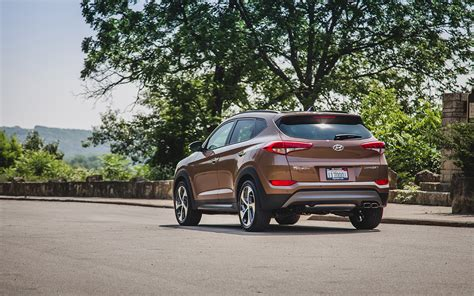 hyundai tucson 2016 brown drive the 2016 hyundai tucson limited improves upon