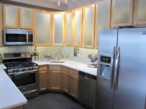 Frosted Glass For Kitchen Cabinets by Brighten Up A Kitchen With Appliances Mochi Home Mochi
