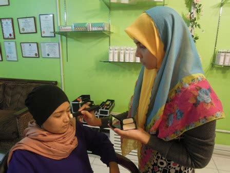 Make Up Di Laris Salon Benhil make up areca spa