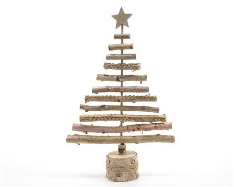 arbol de navidad de madera arboles de navidad de madera existe otra opcin cortar la silueta rbol por dentro palet