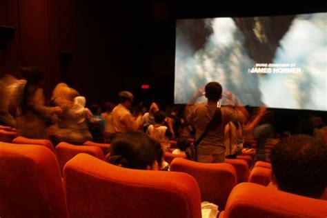 nonton film horor komedi indonesia ini efek positif nonton film horor universitas yarsi