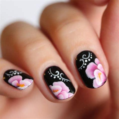 nail acrilico fiori oltre 25 fantastiche idee su nail floreale su
