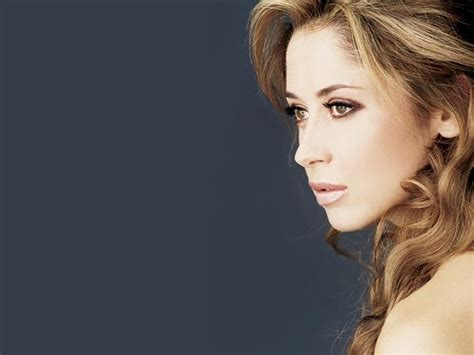 Lara Fabian returns to Romania   Business Review