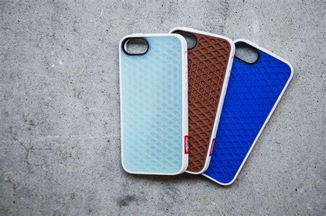 Iphone 5 Holder 1 vans x belkin iphone 5 collection niche1080