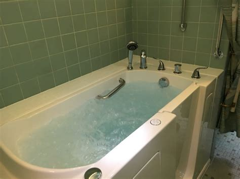 elderly bathtubs prices step in bathtub for seniors 28 images walk in bathtub