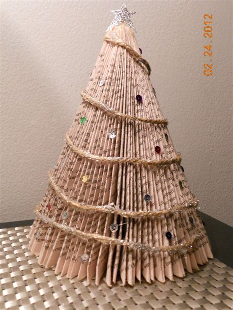 paperback christmas tree book tree crafts pinterest