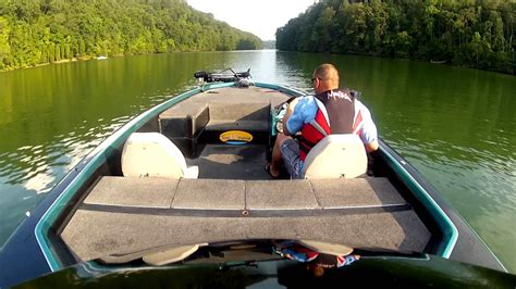 bullet bass boats videos 83mph in the slick raw footage easttnfishing and bullet