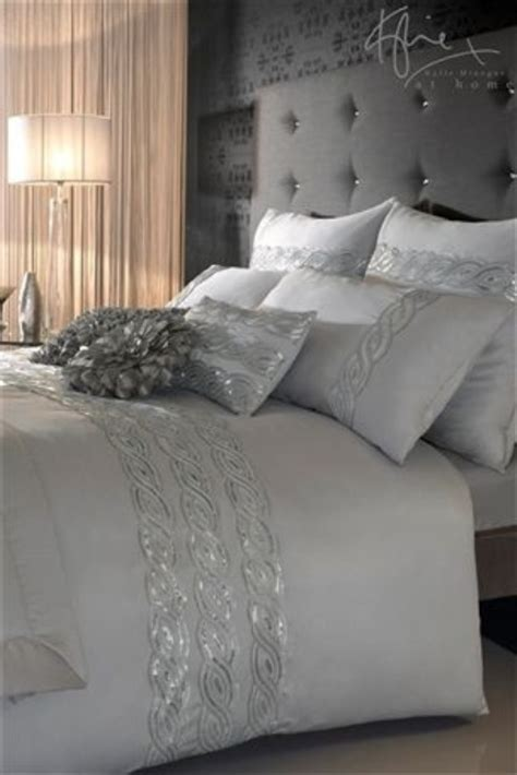 adding glam touches 31 sequin home decor ideas digsdigs adding glam touches 31 sequin home decor ideas digsdigs