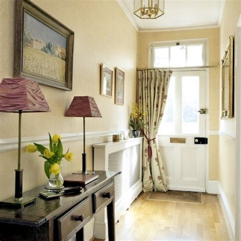 Design tips for the hall ? furniture and practical ideas