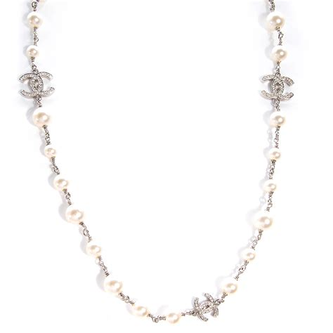 chanel pearl cc necklace silver 61725