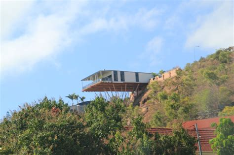 house on side of cliff 15 amazing homes built right into nature