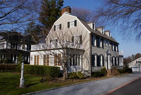 amityville horror house get out no really amityville horror house sold ny daily news