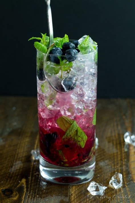 Intox Detox Ingredients by 25 Best Ideas About Blueberry Cocktail On