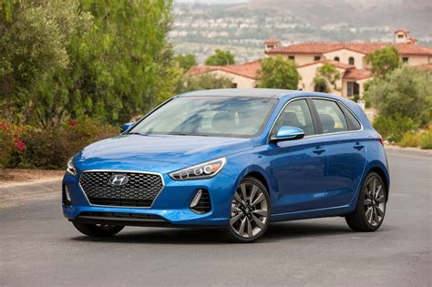 2013 Hyundai Elantra Gt Mpg by 2018 Hyundai Elantra Gt Starts At 20 235 Motor Trend