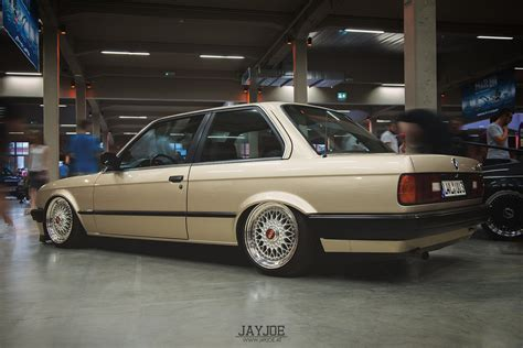 Per Lowering Bmw E30 the world s best photos of e30 and low flickr hive mind
