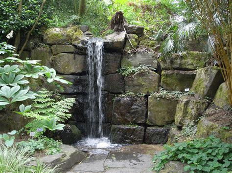 imagenes de jardines en otoño fuentes decorativas un oasis en tu terraza o jard 237 n
