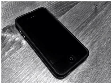 Iphone 4s Bumper look apple bumper for iphone 4s isource