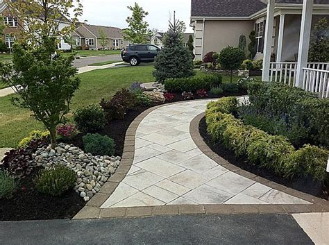 landscapers in sacramento landscaping with pavers