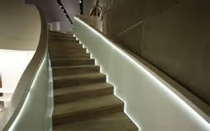treppen led beleuchtung beleuchtung treppenhaus l 228 sst die treppe unglaublich sch 246 n