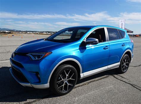 Toyota Se Drive 2016 Toyota Rav4 Hybrid And Rav4 Se The