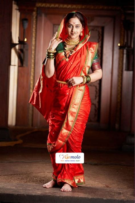 How To Drape Saree In Different Style 44 Best Images About Nauvari Saree On Pinterest