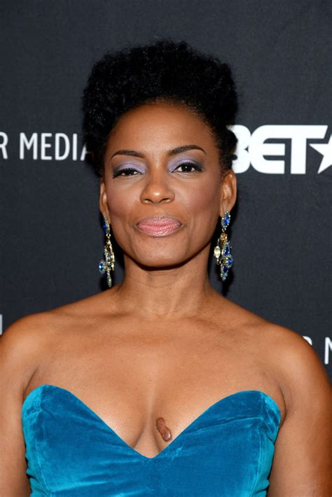 aunjanue ellis aunjanue ellis photos photos the book of negroes