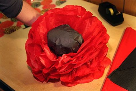 How To Make Poppies Out Of Tissue Paper - make a poppy flower out of tissue paper unique
