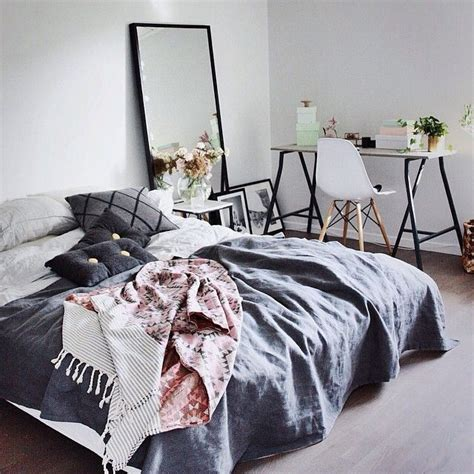 ways to make a bedroom cozy 1000 ideas about cozy teen bedroom on pinterest teen