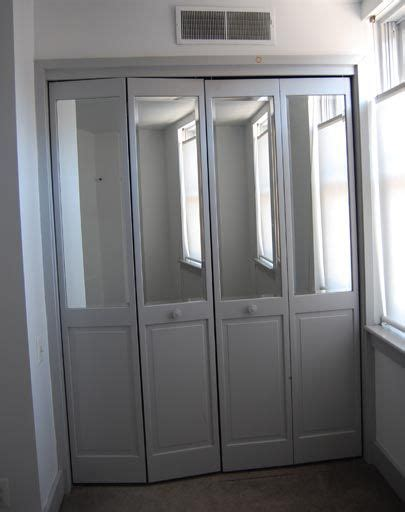 Update Mirrored Closet Doors Best 25 Mirrored Bifold Closet Doors Ideas Only On Bifold Interior Doors Mirrored