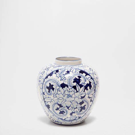 zara home floreros jarr 211 n dibujo azul jarrones decoraci 243 n zara home
