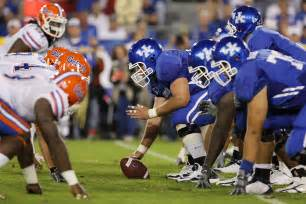 2010 kentucky football position by position preview kentucky sports