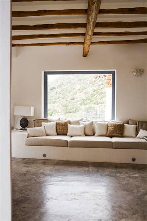 divani in muratura homify 360 176 un esempio per ristrutturare casa in stile