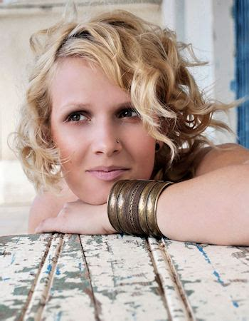 photos of 1001 short curly hairdos short curly and wavy hairstyles for women