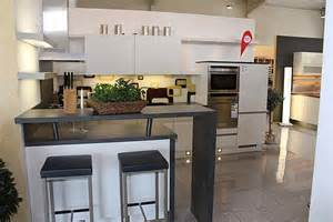 Peninsula In Small Kitchen - nobilia musterk 252 che moderne u k 252 che mit theke