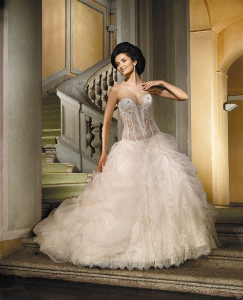 Italienische Hochzeitskleider by Brautkleider