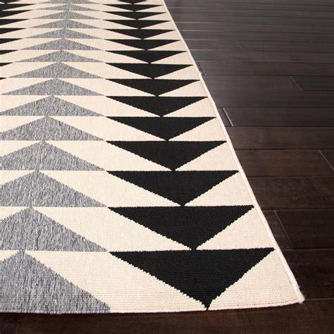 outdoor balcony rugs jaipur rugs patio 5 3 x 7 6 indoor outdoor rug ivory black shopperschoice